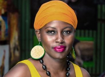 Akello, a Singer/Songwriter, is a Featured Artist at the 2016 Diaspora Gala